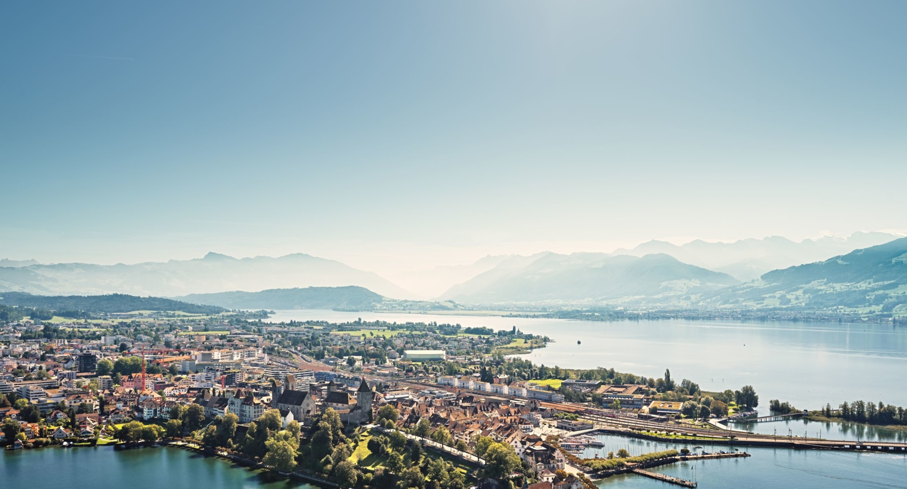 Rapperswil Zürichsee mit Blick auf den Obersee, Linthebene