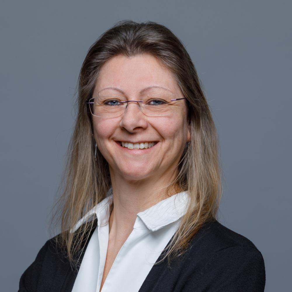 Andrea Hauser, Sekretariat