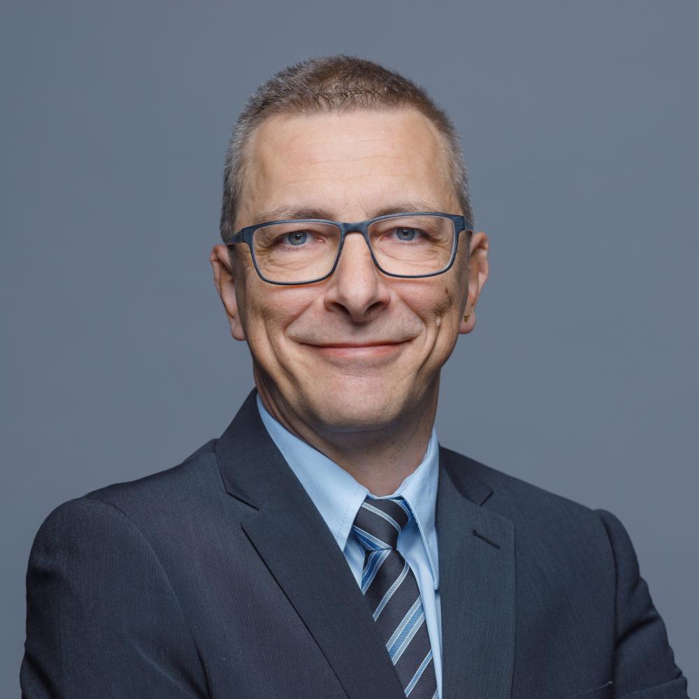 Alexander Huber, Sachbearbeiter Treuhand