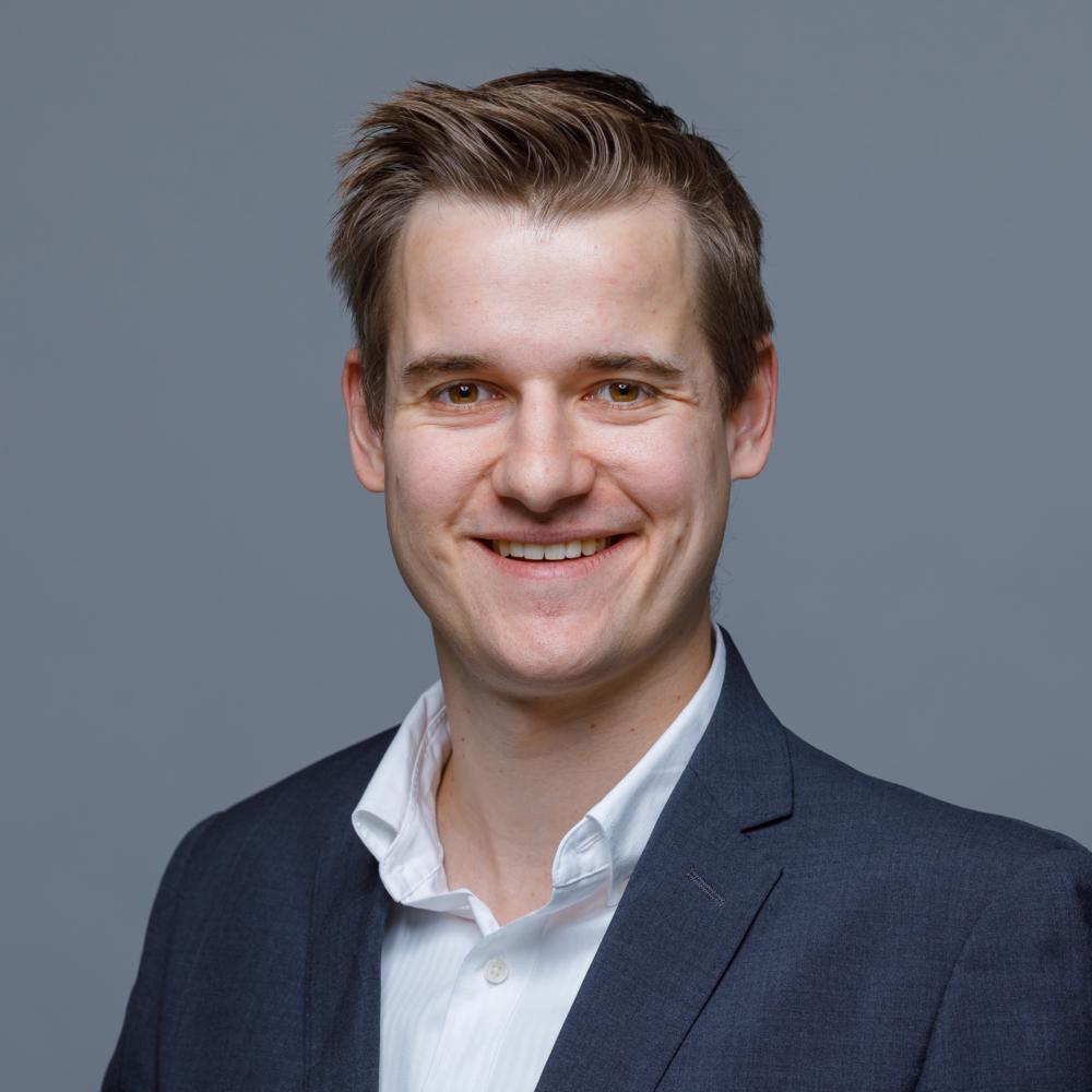 Nick Stüssi, Treuhand