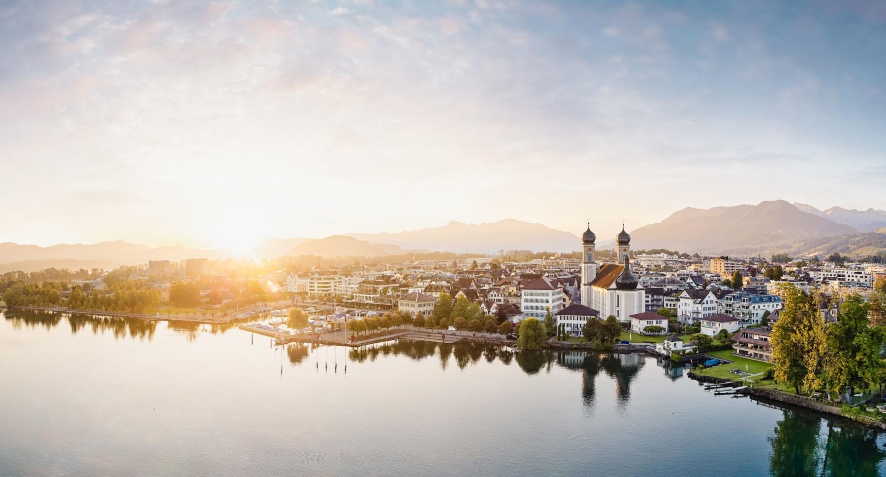 Luftaufnahme, Schwyz, Lachen, Obersee, Sonnenaufgang, Marina, Barockkirche